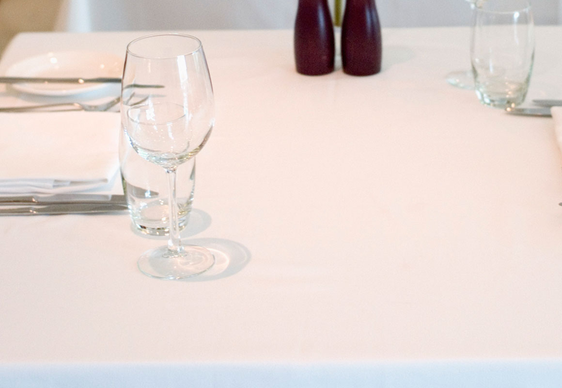 Demp_Slide-tableclothT4